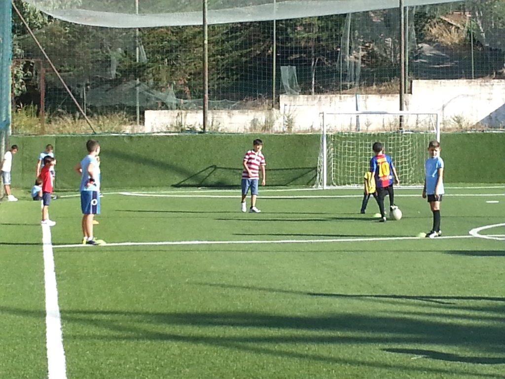 Aragona Calcio - ALCUNI BAMBINI SI ALLENANO