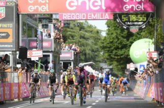 LIVE – Giro d'Italia 2017 in DIRETTA. Dodicesima tappa: Forlì-Reggio Emilia. ancora Gaviriaaaa!!!!! Jakub Mareczko in seconda piazza