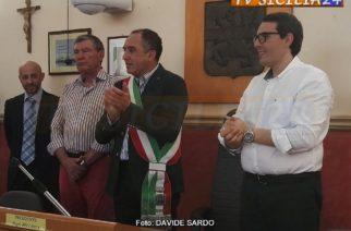 Aragona: Si è insediato il nuovo Sindaco, Peppe Pendolino