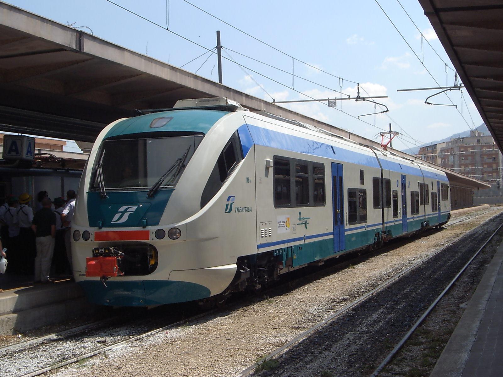 Contratto Trenitalia. Accolte proposte M5S  Nuovi vagoni, più corse, bici gratis sui treni e nuove biglietterie
