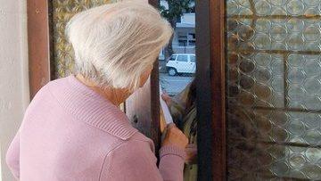 asalinga in manette per Estorsione e Circonvenzione ai danni di un anziano.