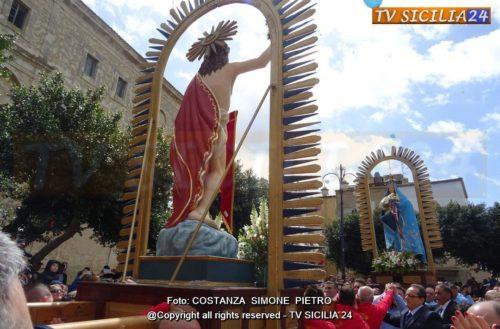 Domenica di Pasqua: L'incontru tra la Madonna e Gesù Risorto