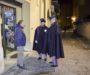 Pattuglia della Polizia di Stato in alta uniforme nella via Atenea