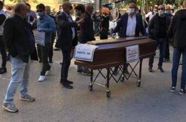 Protesta commercianti Caltanissetta